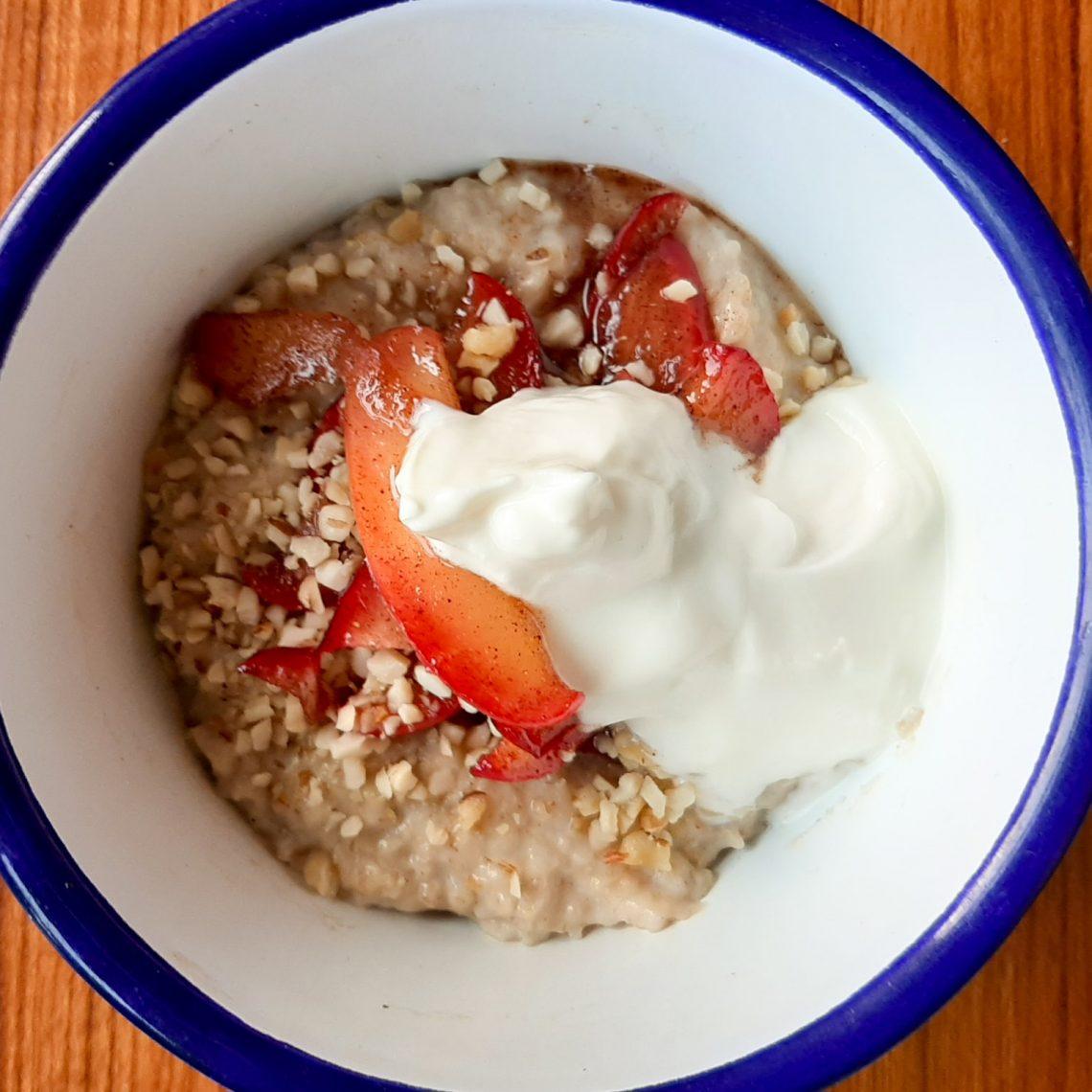 Chai and apple porridge